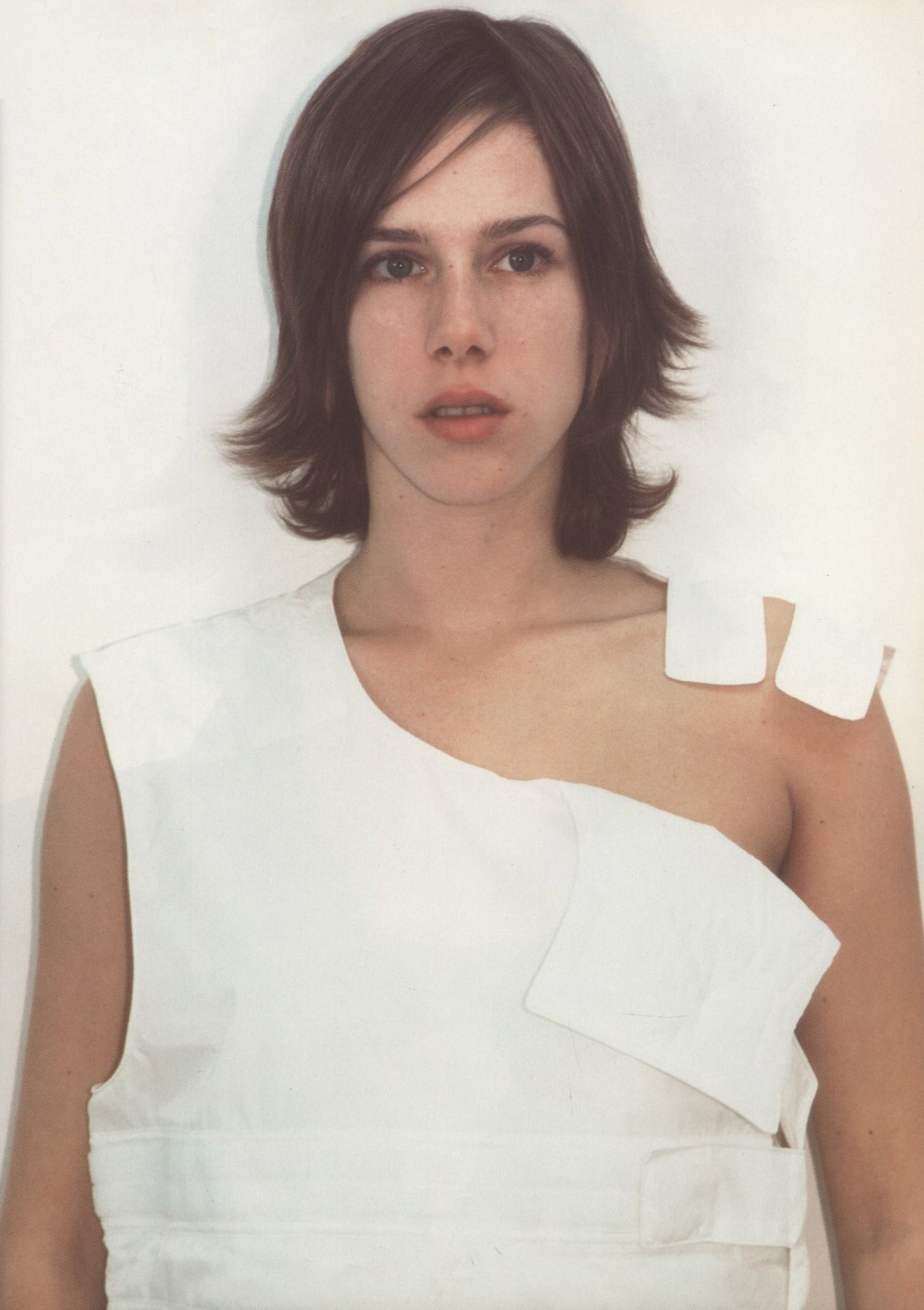 ABOUT EVOLUTION HELMUT LANG PHOTOGRAPHY MARK BORTHWICK STYLING THIERRY COLSON MIXT(E) MAX |N° 4 SPRING 1998