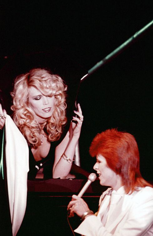 DAVID BOWIE WITH AMANDA LEAR DURING LAST SHOW AS ZIGGY STARDUST, 1973