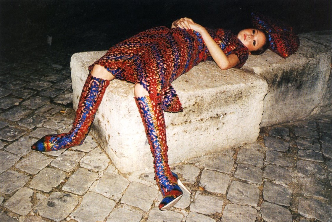 DROP DEAD GORGEOUS: COUTURE A/W 2000 | DEVON AOKI | PHOTOGRAPHY JUERGEN TELLER | FASHION VENETIA SCOTT | NOVA | NOVEMBER 2000
