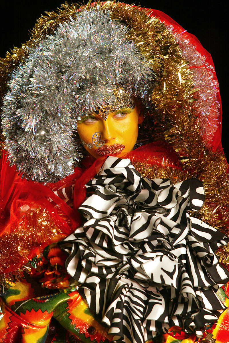 JOHN GALLIANO | FASHION SHOW | SPRING 2003
