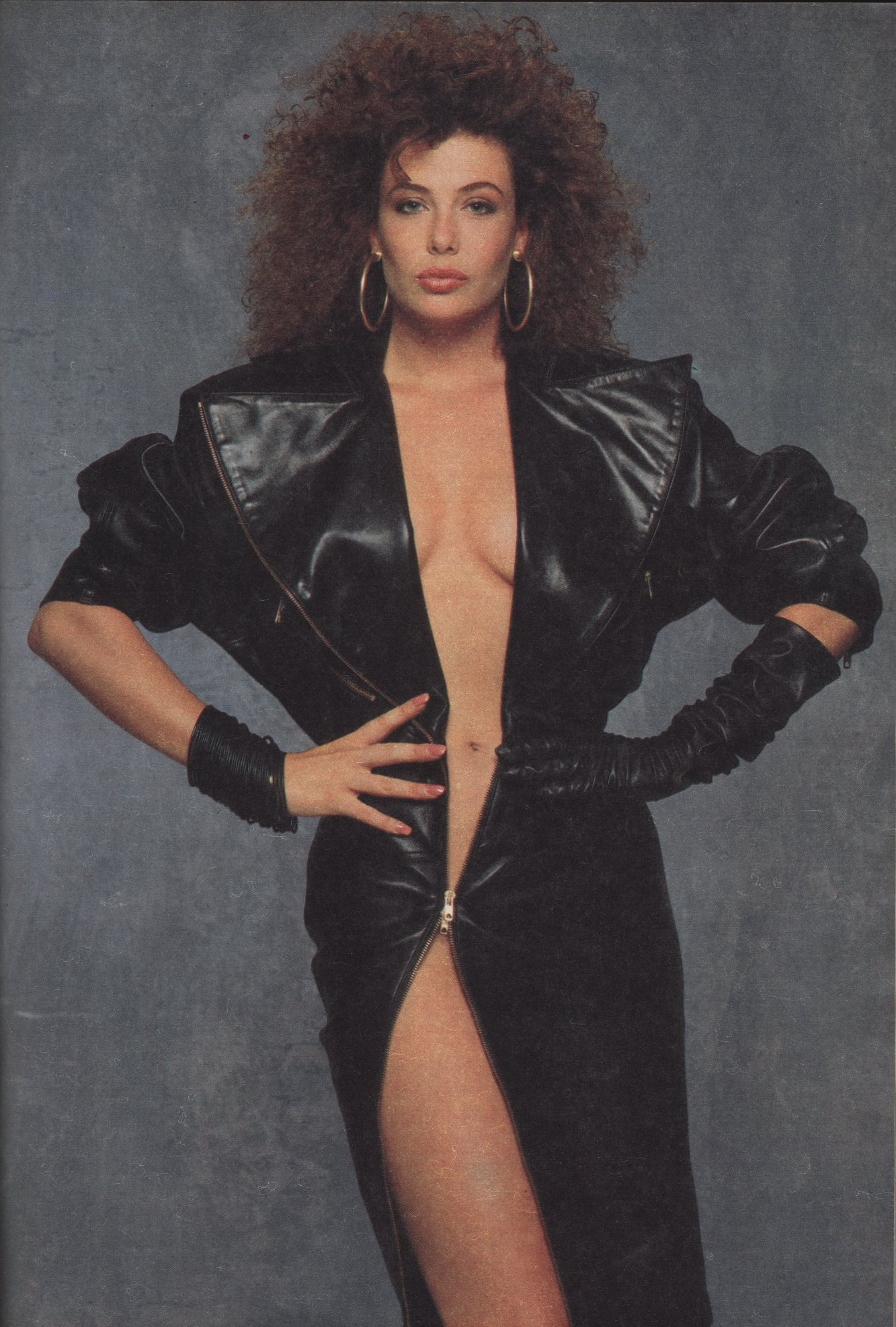 KELLY LE BROCK | DRESS AZZEDINE ALAIA | PHOTOGRAPHY GREG GORMAN | MAX | DECEMBER 1986