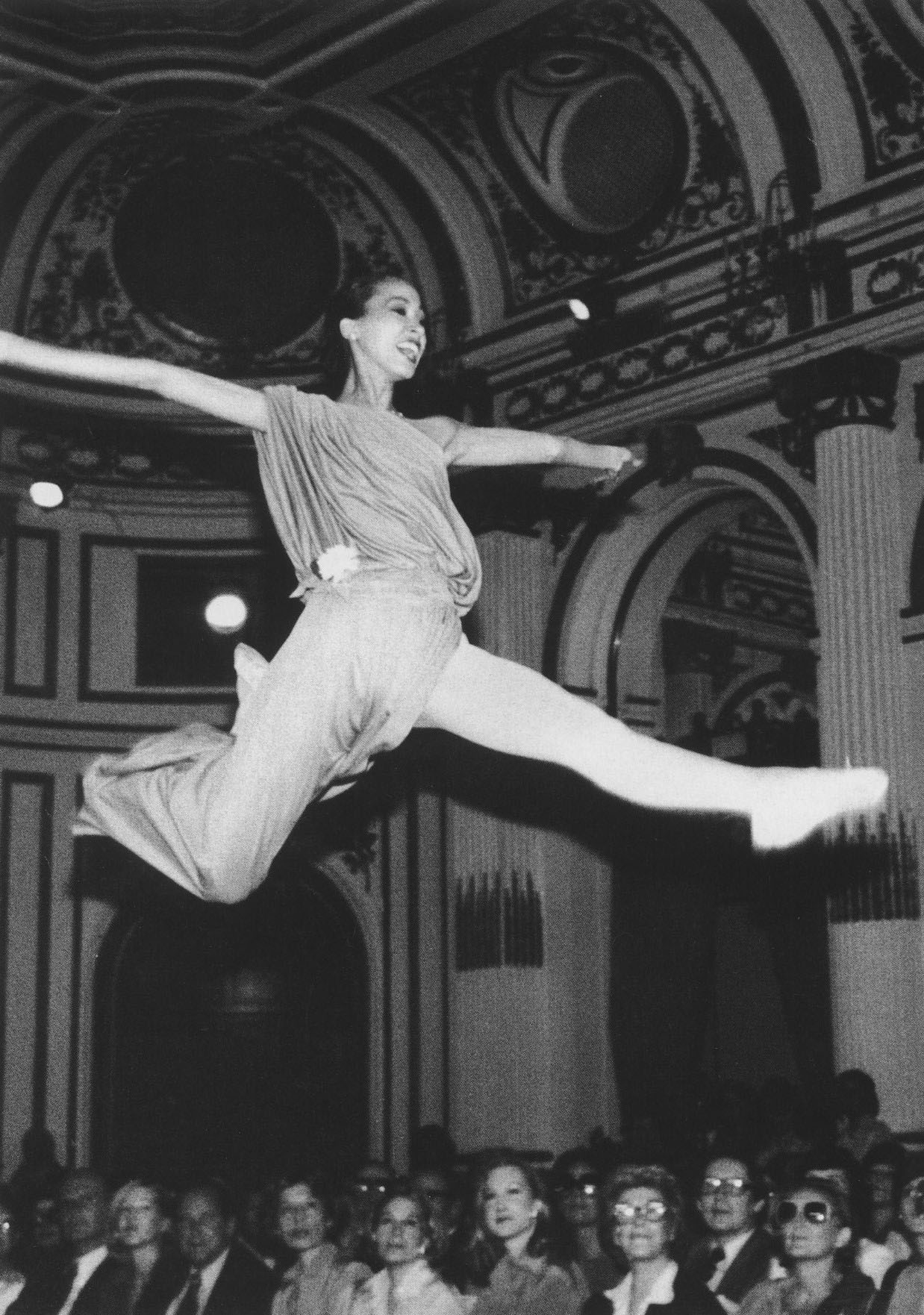 PAT CLEVELAND ON THE NEW YORK CATWALK | 1977 | PHOTOGRAPHY ROXANNE LOWIT
