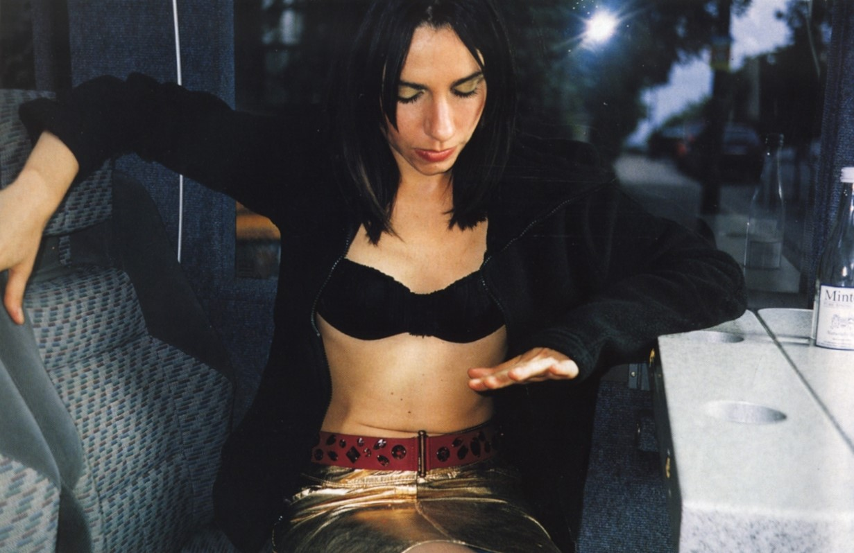 PJ HARVEY | PHOTOGRAPHY VALERIE PHILLIPS | NOVA MAGAZINE | NOVEMBER 2000