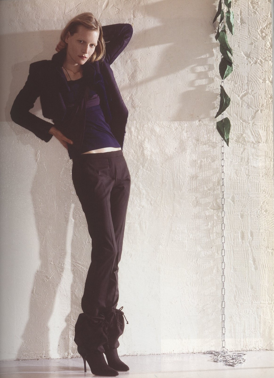 PURPLE BEST OF THE SEASON KIRSTEN OWEN | HELMUT LANG PHOTOGRAPHY ANNUSCHKA BLOMMERS & NIELS SCHUMM | FASHION EDITOR YASMINE ESLAMI PURPLE FASHION NUMBER 2 FALL/WINTER 2004/2005