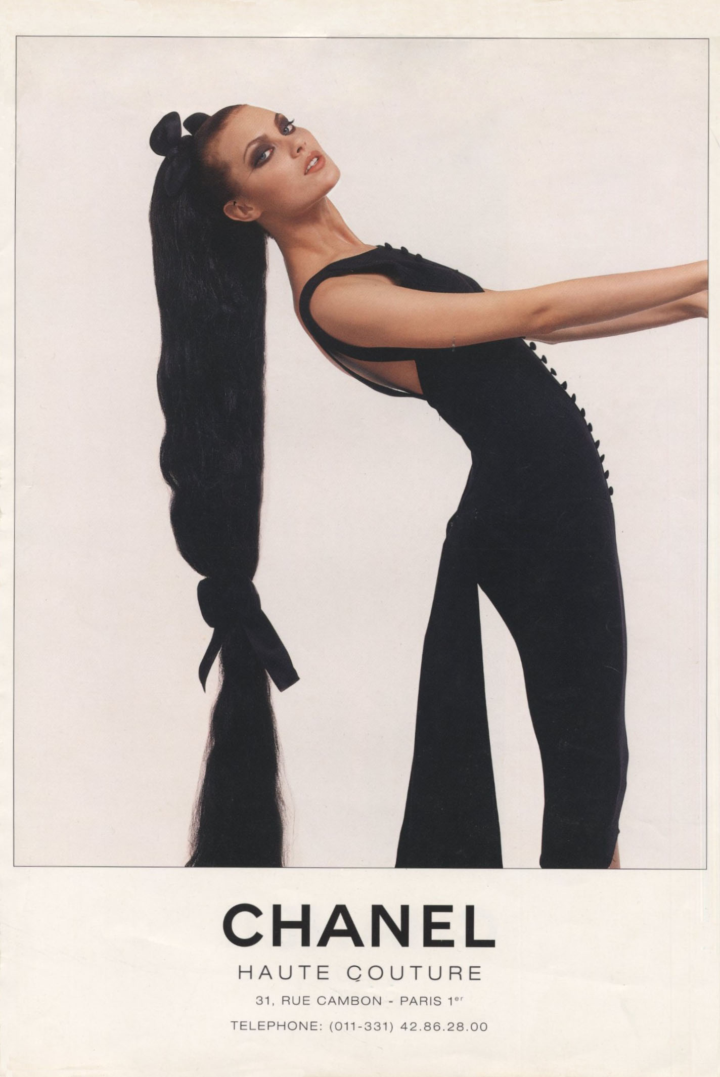 SHALOM HARLOW | CHANEL HAUTE COUTURE | AD | PHOTOGRAPHY KARL LAGERFELD | 1990s