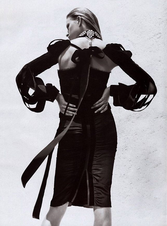 STEVEN MEISEL | KAROLINA KURKOVA | YVES SAINT LAURENT RIVE GAUCHE BY TOM FORD | VOGUE UK | JULY 2002