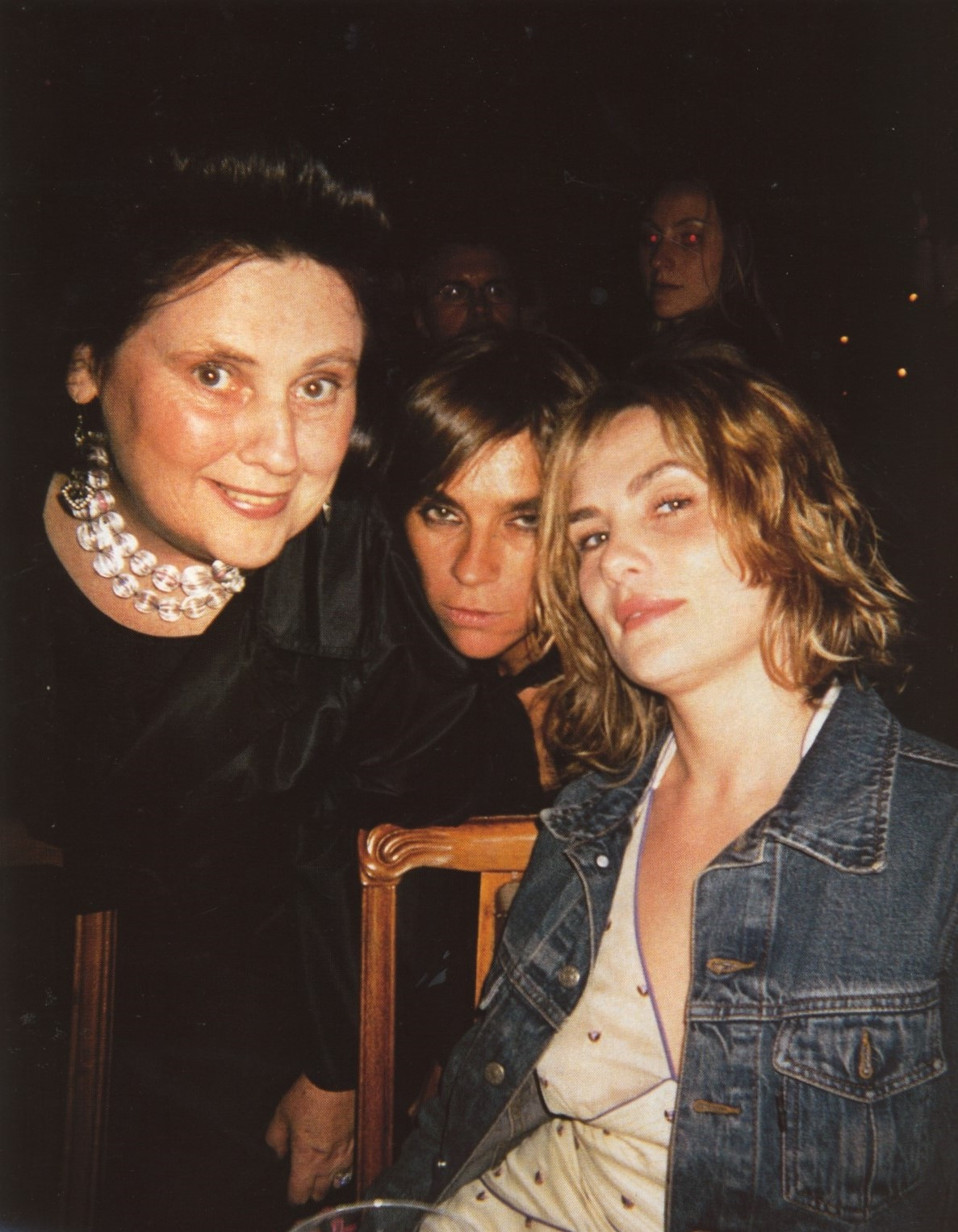 SUZY MENKES, CARINE ROITFELD AND EMANUELLE SEIGNER | TOM FORD PRIVATE DINNER FOR YSL | LUCAS CARTON | PARIS | JUNE 2002 | SELF SERVICE MAGAZINE | FALL/WINTER 2002