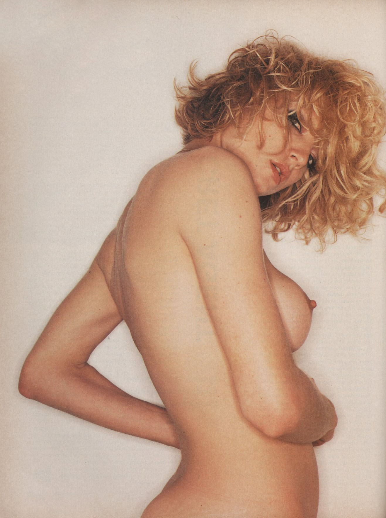 THE BUMP DEAL RACHEL WILLIAMS PHOTOGRAPHY JUERGEN TELLER STYLING VENETIA SCOTT THE FACE VOLUME 2 NUMBER 83 AUGUST 1995