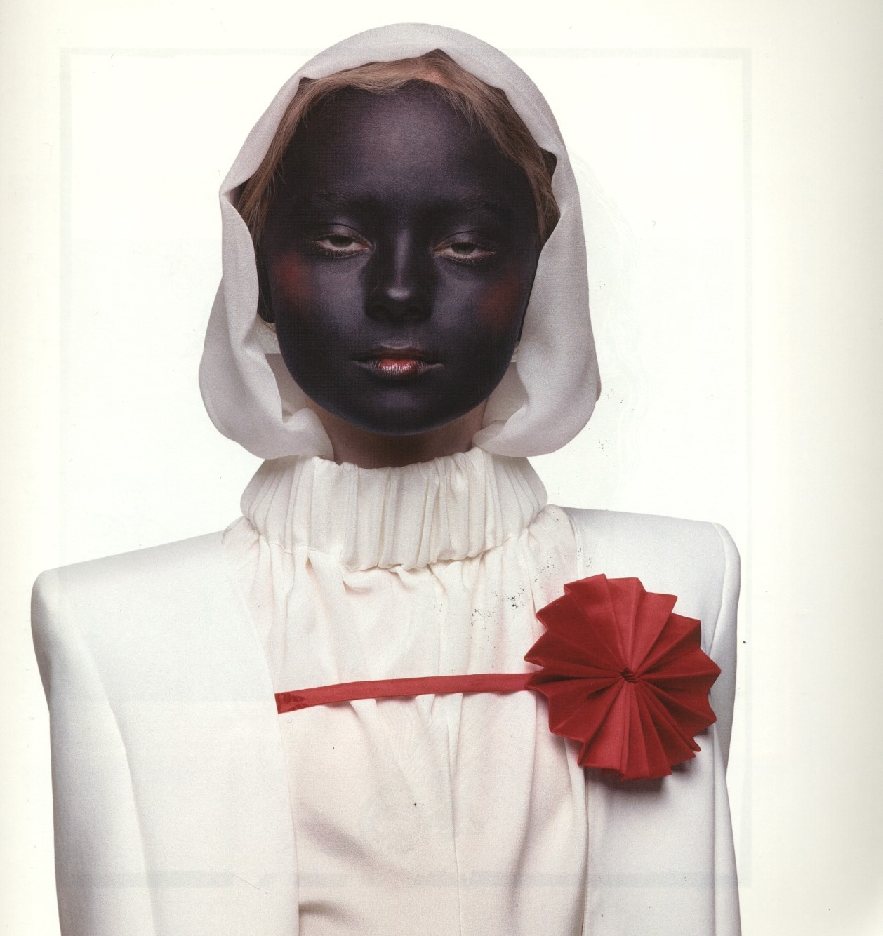 THE WIDOW (WHITE) | PHOTOGRAPHY INEZ VAN LAMSWEERDE & VINOODH MATADIN | 1997 | SELECTION FROM PRETTY MUCH EVERYTHING BOOK
