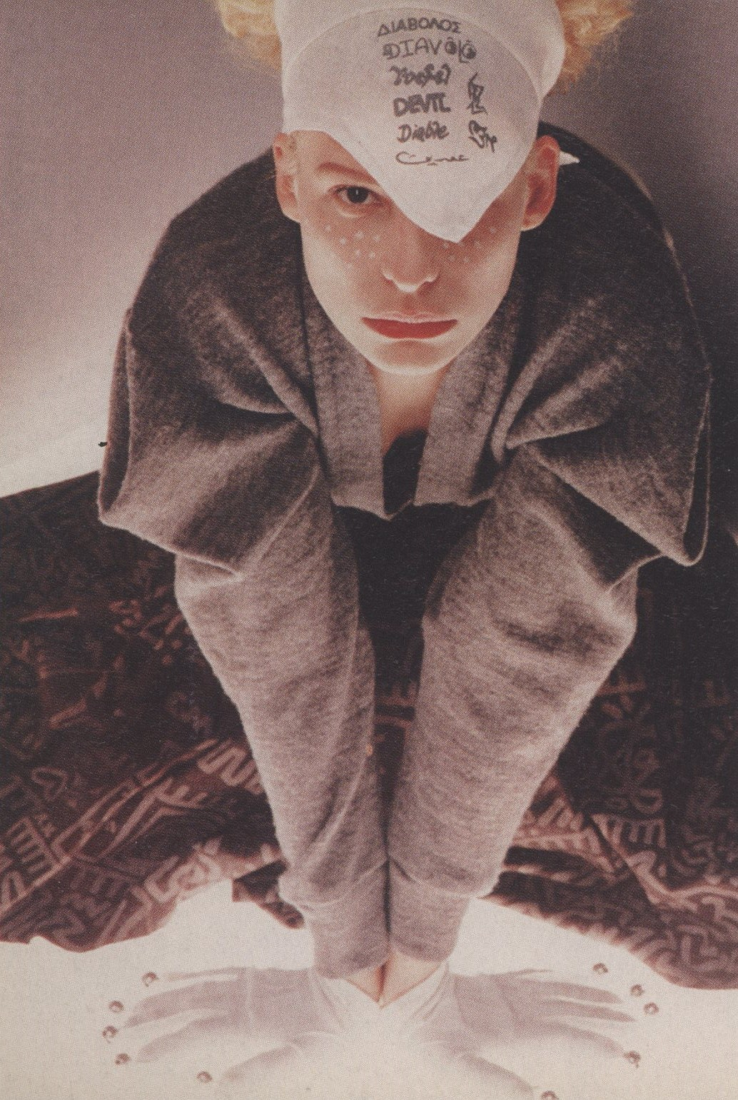 VIVIENNE WESTWOOD | PHOTOGRAPHY CARRIE DONOVAN | STYLING PAUL FRECKER | THE FACE N. 85 | MAY 1987