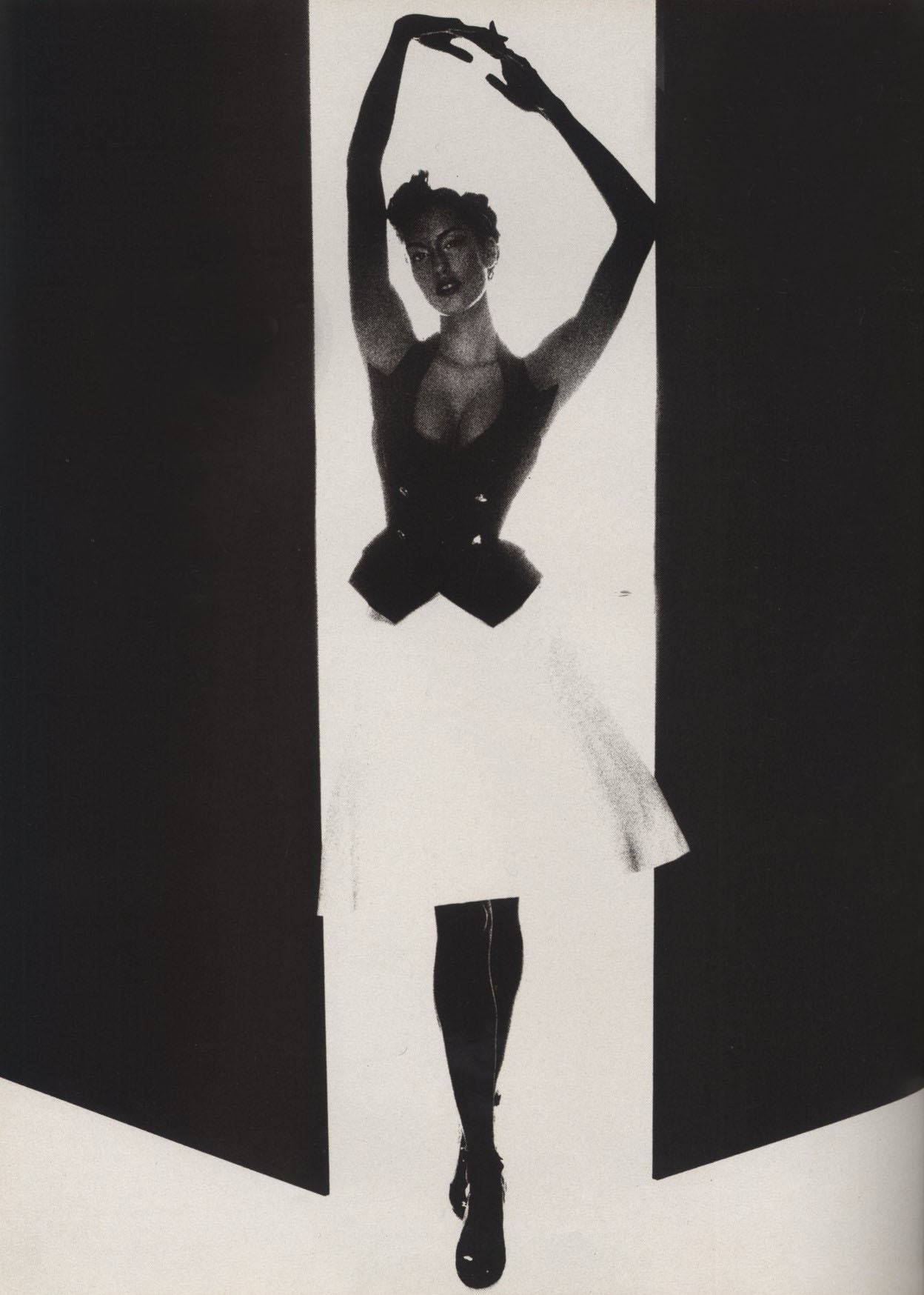 YASMEEN GHAURI VIVIENNE WESTWOOD PHOTOGRAPHY NICK KNIGHT VOGUE UK MARCH 1995